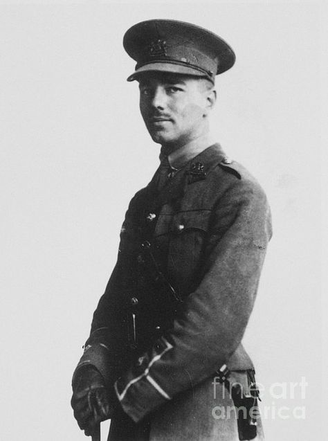wilfred owen horror of war The war the horrors of war is the main theme throughout the poem insensibility - wilfred owen imagery their senses in some scorching cautery of battle -.