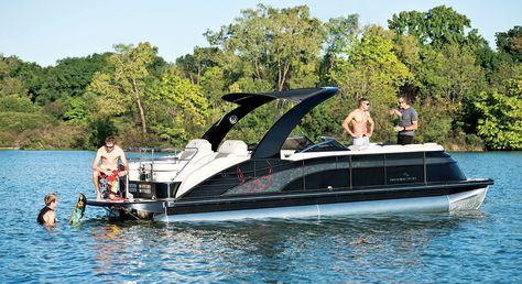 Q25 I/O Skull Sport Arch Pontoon Boats