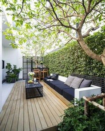 15 Privacy Garden Decoration Ideas To Reading Books And Relaxing Side Yard Page 8 In 2020 With Images Small Backyard Patio Small Backyard Garden Design Small Backyard Gardens
