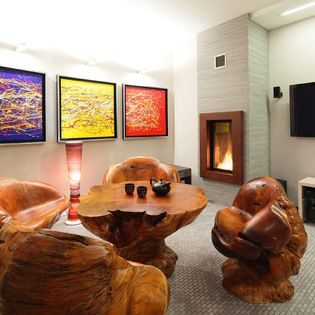 That is a pretty cool set-up. #basement #contemporary
