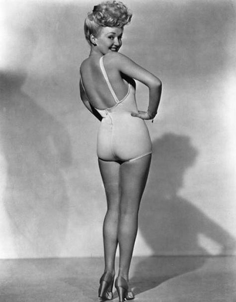 Betty Grable, Queen of the pin-ups, at 20th Century Fox Studios. Date: 1942.