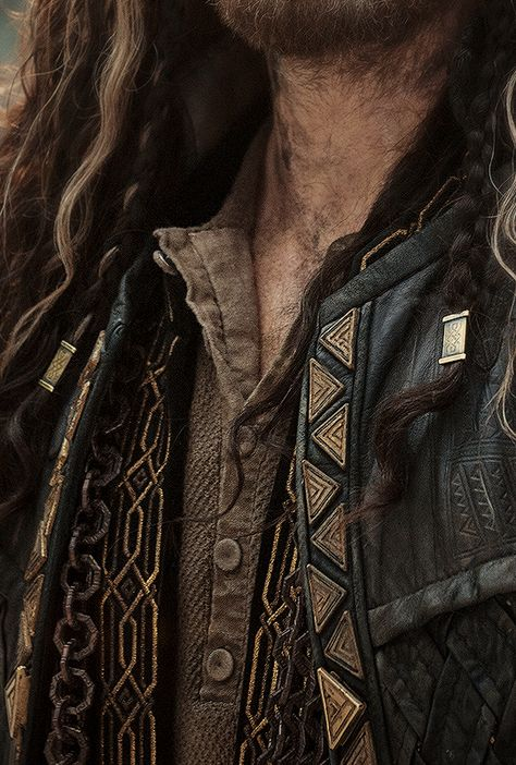 On Hiatus Zoe/ Graphic Designer/ Australia Mostly Game of Thrones/ASOIAF, Tolkien & Vikings Welcome. Tolkien, High Fantasy, Medieval Fantasy, Half Elf, O Hobbit, Thorin Oakenshield, Bilbo Baggins, Captain Jack Sparrow, Black Sails