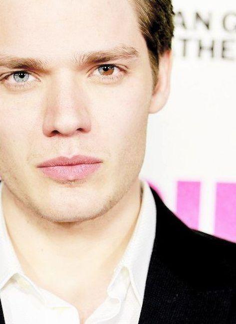 - Wall eye most beautiful defect - Les yeux vairons le plus beau des défauts. Dominic Sherwood #men'sbeauty #men's #beauty #eyes
