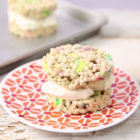 This trick turns almost any cereal into an ice cream sandwich