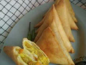 Resep Samosa Lezat Isi Daging Ayam Dengan Bumbu Kari Oleh Fitri Puspitasari Resep Resep Samosa Makanan Dan Minuman
