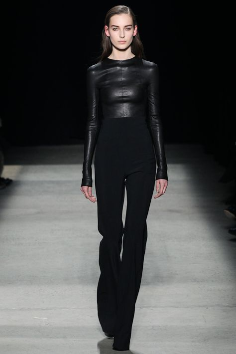 Narciso Rodriguez - Fall 2015 Ready-to-Wear - Look 4 of 36