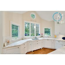 The Combination Of The Classic White Quartzite And The Big Windows Give  Great Natural Light To
