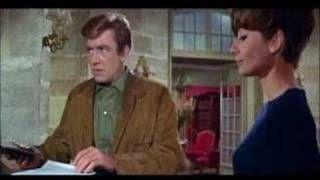 Two for the Road (Dos en la carretera) (Director: Stanley Donen) http://www.filmaffinity.com/es/film261526.html | http://www.imdb.es/title/tt0062407 . Totalmente rendido a la que es una de mis películas / bandas sonoras (Música: Henry Mancini) favoritas. Audrey Hepburn está insuperable ¡Qué belleza de mujer! ¡Qué gran actriz!. Os recomiendo que veáis este peliculón.
