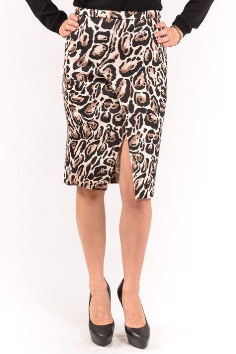 GONNA BIANCOGHIACCIO  Splendida gonna leopardata con spacco diagonale sul davanti, leggermente elasticizzata. - See more at: http://www.vienvioutlet.it/index.php/donna/gonne/gonna-biancoghiaccio.html#sthash.CMgB8hzq.dpuf