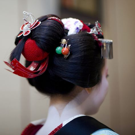 Osomemage hairstyle. Hairstyle worn during Setsubun