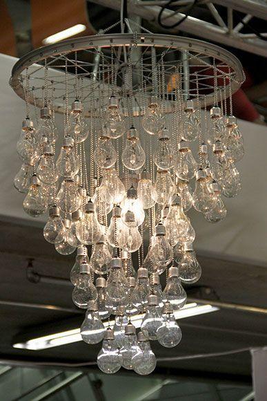 Interessante Designs Aus Ampulden Lightning Kronleuchter Selbst Bauen Diy Beleuchtung Kronleuchter