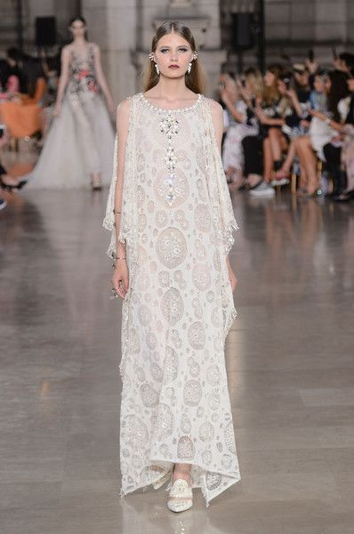 Georges Hobeika Couture, Fall 2017 - Gorgeous Couture Runway Gowns Fit for a Bride - Photos