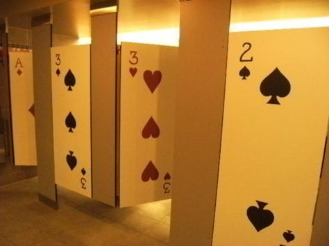 card toilets. las vegas much?