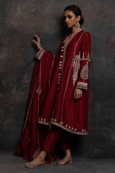 Post wedding dinner/ dawat outfit Inspo for newly wed brides