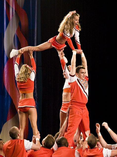 college cheerleader, cheerleading, stunts moved from Kythoni's Cheerleading: Collegiate board http://www.pinterest.com/kythoni/cheerleading-collegiate/ m.31.3