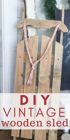 diy holz This DIY vintage wooden sled is so easy to make out of scrap wood! It costs less than 10 dollars to make and its the perfect Christmas decor or winter decor for your house or porch! Diy Wooden Sled, Wooden Decor, Wooden Snowmen, Primitive Snowmen, Primitive Crafts, Diy Wooden Crafts, Primitive Stitchery, Primitive Patterns, Primitive Folk Art
