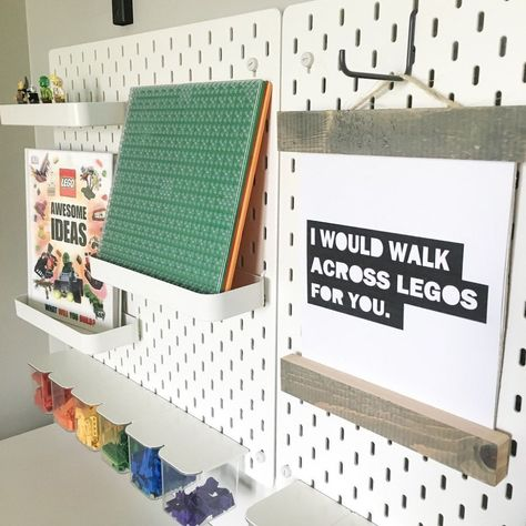 How to ceate a kid friendly DIY LEGO workstation using the IKEA Skadis pegboard system. Spark creativity and imagintion for your little ones! Ikea Skadis, Ikea Ekby, Ikea Pegboard, Painted Pegboard, Kitchen Pegboard, Lego Display, Ikea Hack Vanity, Lego Table Ikea, Lego Storage Brick