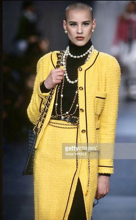 A model walks the runway during the Chanel Ready to Wear show as part of Paris Fashion Week Fall/Winter in March, 1993 in Paris, France. Get premium, high resolution news photos at Getty Images