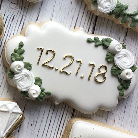 Bridal shower cookies for an amazing couple! Wedding Shower Cookies, Wedding Cake Cookies, Decorated Wedding Cookies, Wedding Sweets, Wedding Favors, Wedding Souvenir, Wedding Ideas, Royal Icing Cookies, Cupcake Cookies