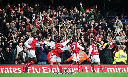 Edu celebrates scoring Arsenal's 2nd goal at Stamford Bridge, 21/2/04. #Arsenal