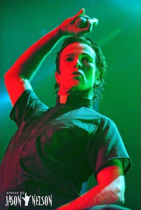 Stone Temple Pilots - Wicked Garden (live Letterman)   Remembering ...