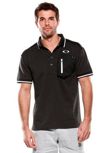 ポリエステル100% の吸汗速乾ポロシャツ。肩の熱がこもる箇所にメッシュパネルを採用、群れを軽減します。さらっとした肌触りで熱くなるこれからの季節に活躍する1枚です