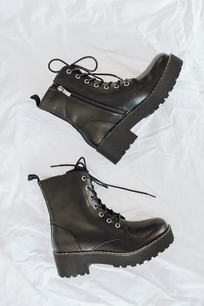 Chinese Laundry Mazzy Boots In 2020 Boots Black Platform Boots