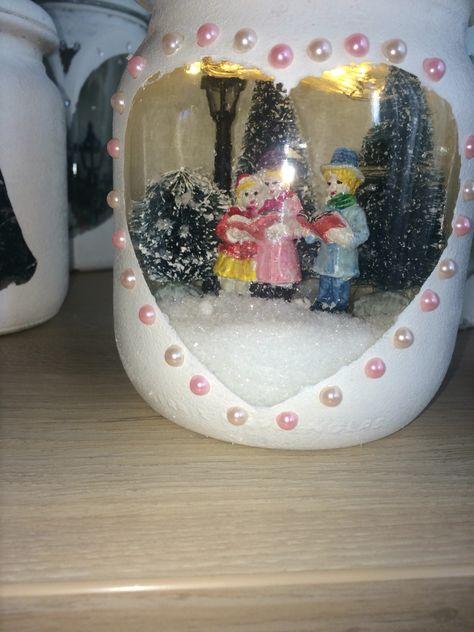 Laatst heb ik met kerst wekpotten gemaakt. die pot hierboven is het eindresultaat vind je hem leuk laat een reactie achter bij de pin ik maak nog een foto waarin ik laat weten hoe ik hem heb gemaakt