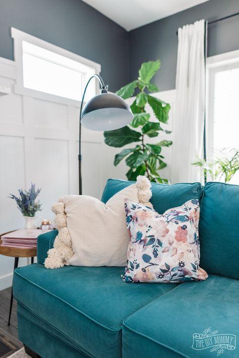 How to make a DIY no sew pillow from cloth napkins - so easy!