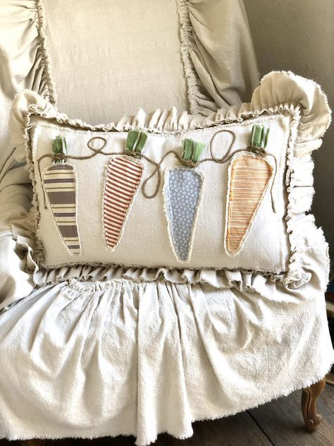 Custom Three Carrots Pillow Cover with INSERT,with ruffles,Easter French Country Pillow,Farmhouse pillow,Birthday Gift - Kissen Large Pillow Covers, Large Pillows, Decorative Pillows, Throw Pillows, Diy Pillows, Cushions, Cushion Covers, Spring Crafts, Holiday Crafts
