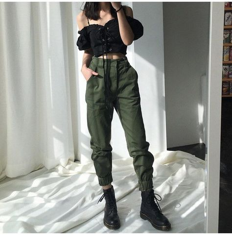 Baggy Cargo Pants, Cargo Pants Outfit, Cargo Pants Women, Green Cargo Pants, Harem Pants, Green Joggers, Dress Pants Outfit, Women Trousers, Cropped Pants