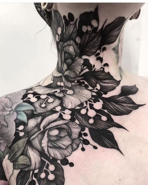 Such a Beautyful tattoo. Who knows the artist? Face Tattoos, Body Art Tattoos, Sleeve Tattoos, Cool Tattoos, Portrait Tattoos, Tatoos, Cool Small Tattoos, Tattoos For Women Small, Tattoos For Guys