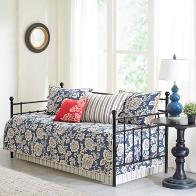 Madison Park Lucy 6 Piece Cotton Twill Printed Daybed Set In Navy In 2020 Daybed Sets Daybed Daybed Covers