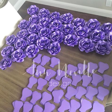 """Small roses #weddings I created a new template (NOT FOR SALE YET), it's still a small rose but I would say a """"advanced"""" way. Hey, it uses less paper and no more folding #futuretemplate #advances #stillperfectingit #paperroses #roses"""