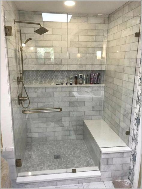 25 Beautiful Farmhouse Master Bathroom Decor Ideas And Remodel. If you are looking for Farmhouse Master Bathroom Decor Ideas And Remodel, You come to the right place. Below are the Farmhouse Master B. Master Bathroom Shower, Modern Master Bathroom, Bathroom Design Small, Bathroom Interior Design, Master Bathrooms, Minimal Bathroom, Dyi Bathroom, Dream Bathrooms, Modern Bathrooms