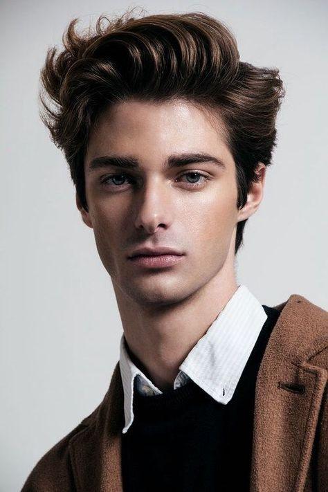 20 coolest haircuts for teenagers Teen Boy Hairstyles, Side Swept Hairstyles, Cool Hairstyles, Hairstyle For Man, Braided Hairstyles, Wedding Hairstyles, Famous Hairstyles, American Hairstyles, Casual Hairstyles