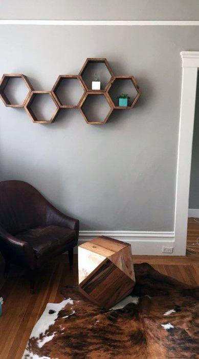 50 Bachelor Pad Wall Art Design Ideas For Men Cool Visual Decor Moderne Regale Glasregal Schwimmendes Regal