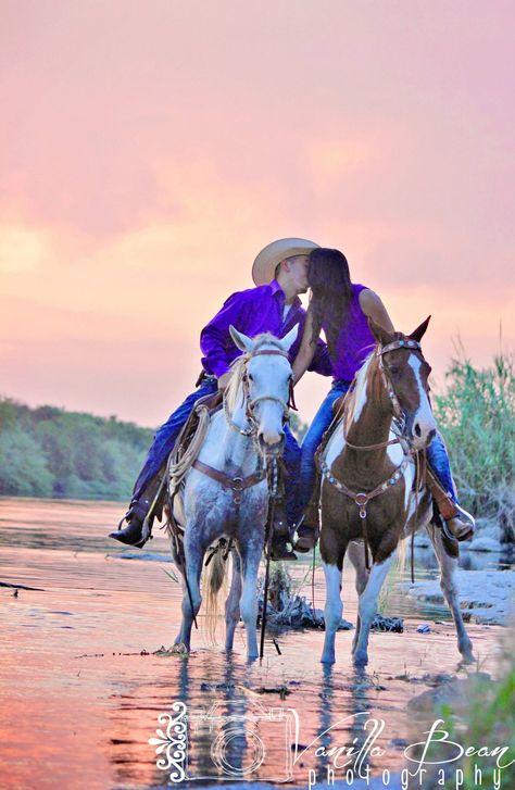 Rio Grande-west Texas-Del Rio, Texas Engagement shoot Country western Vanilla Bean Photography