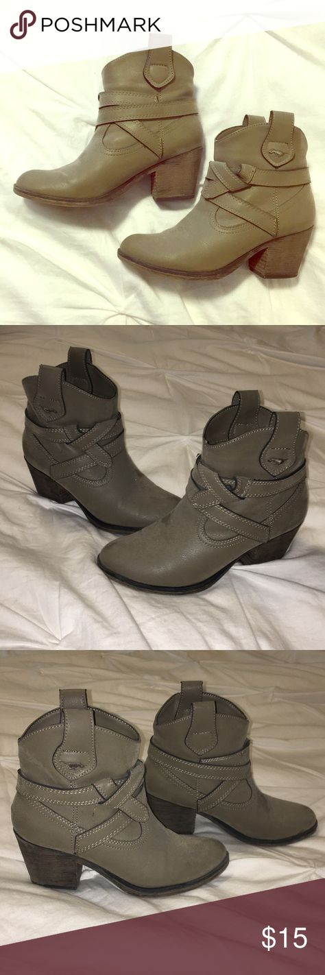 32dbc0913fc0 Call it Spring moto boots size 7 Awesome moto boots EUC Call it spring Size  7 Call It Spring Shoes Combat   Moto Boots