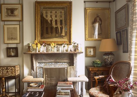 Hang Frames With Antiqued Chains Hardware Robert Kime S Art Filled London Apartment Library