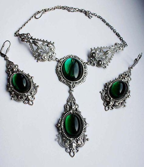Green stone steampunk pendant by Pinkabsinthe on DeviantArt Victorian Jewelry, Gothic Jewelry, Beaded Jewelry, Vintage Jewelry, Unique Jewelry, Jewelry Sets, Jewelry Accessories, Russian Jewelry, Viking Jewelry