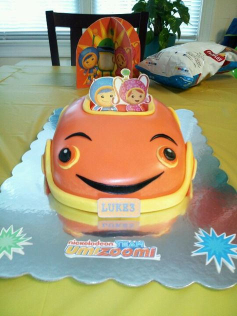 Team Umizoomi cake. A friend made this for Luke's 3rd bday. Turned out great