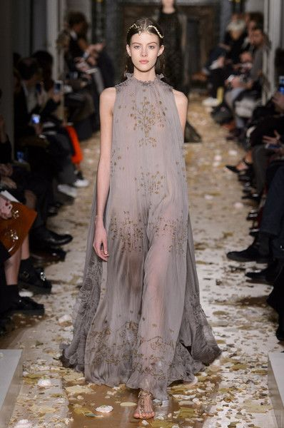 Couture's Dreamiest Dresses for Spring 2016 | Valentino