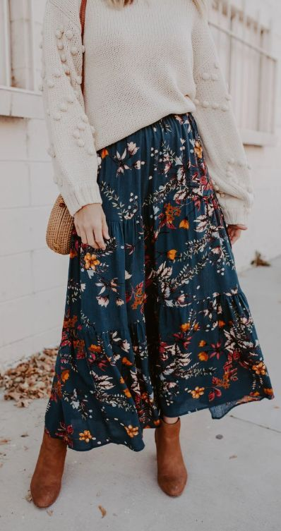 Love Lasts Maxi Skirt Floral Skirt Outfits, Skirt Outfits Modest, Maxi Outfits, Modest Skirts, Fashion Outfits, Cute Outfits With Skirts, Modest Maxi Dress, Jean Skirts, Floral Skirts