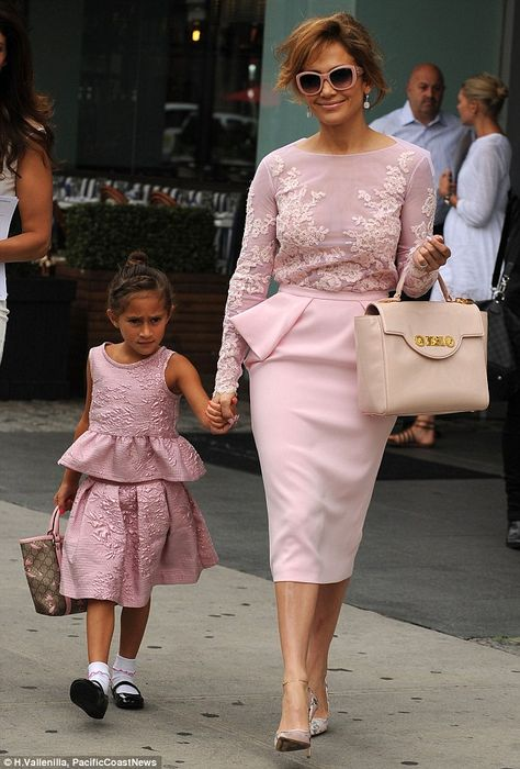 Jennifer Lopez and daughter Emme, wear matching pink peplum outfits to meet Michelle Obama