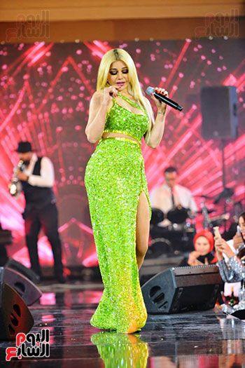 صور هيفاء وهبي 2020 في القاهرة في احياء عيد رأس السنة 2020 اليمن الغد Formal Dresses Long Formal Dresses Dresses