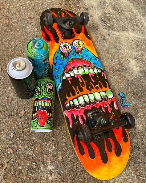 Custom Skateboard Decks, Painted Skateboard, Skateboard Deck Art, Custom Skateboards, Skateboard Pictures, Skateboard Design, Cool Skateboards, Grip Tape Designs, Graffiti Doodles