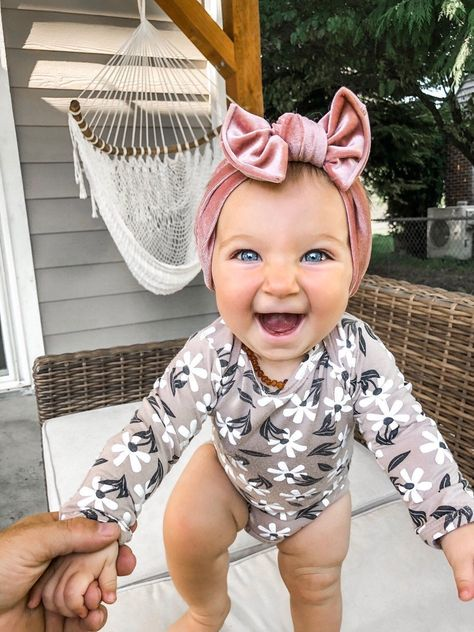 After yesterday's post, I think it's safe to say EVERYONE is excited over our lineup of velvet headbands 😍😍😍     (( 'Perfect Pink' velvet flat bow headband ))      So Cute Baby, Cute Kids, Cute Babies, Cute Baby Boy Pics, Babies Stuff, Baby Girl Hats, Baby Girl Headbands, Baby Bows, Baby Girl Fashion