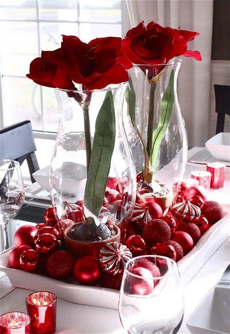 Deko ideen weihnachten  dekoideen weihnachten tischdeko glasgefäße blumen weihnachtskugeln ...