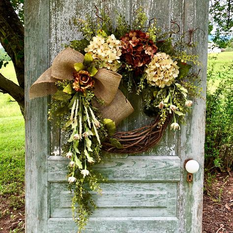 This item is unavailable : Year Round Door Wreath, Fall Hydrangea Wreath, Shabb… – Fall Wreath İdeas. Diy Wreath, Grapevine Wreath, Wreath Fall, Autumn Wreaths For Front Door, Wreath Ideas, Outdoor Fall Wreaths, Autum Wreaths, Willow Wreath, Tulle Wreath